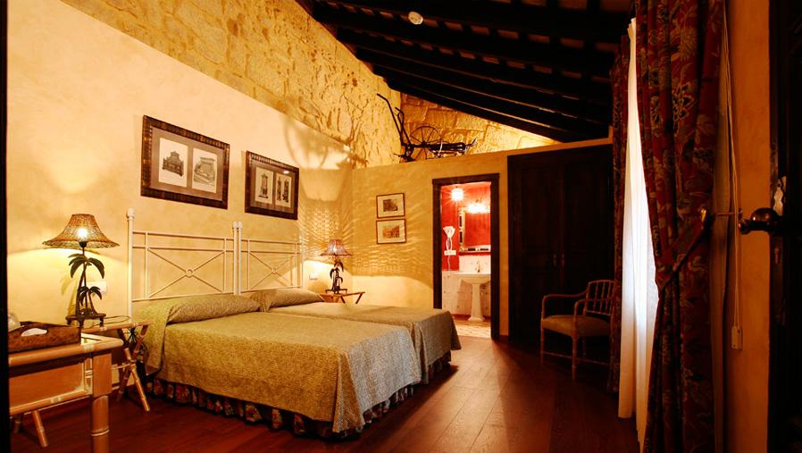 Detalle de habitación. La casona de Calderón. Sevilla. Diseño gráfico. Modo®WEB